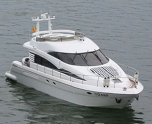 Fairline-Squadron52_by_Promocean