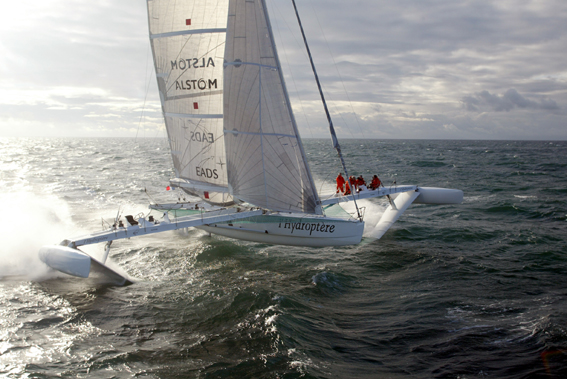 399Hydroptere_tri_at_speed