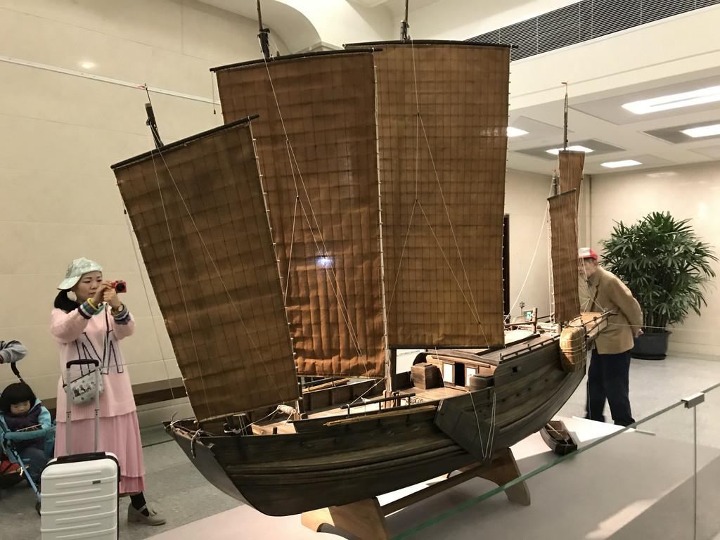 上海历史博物馆新馆.jpg