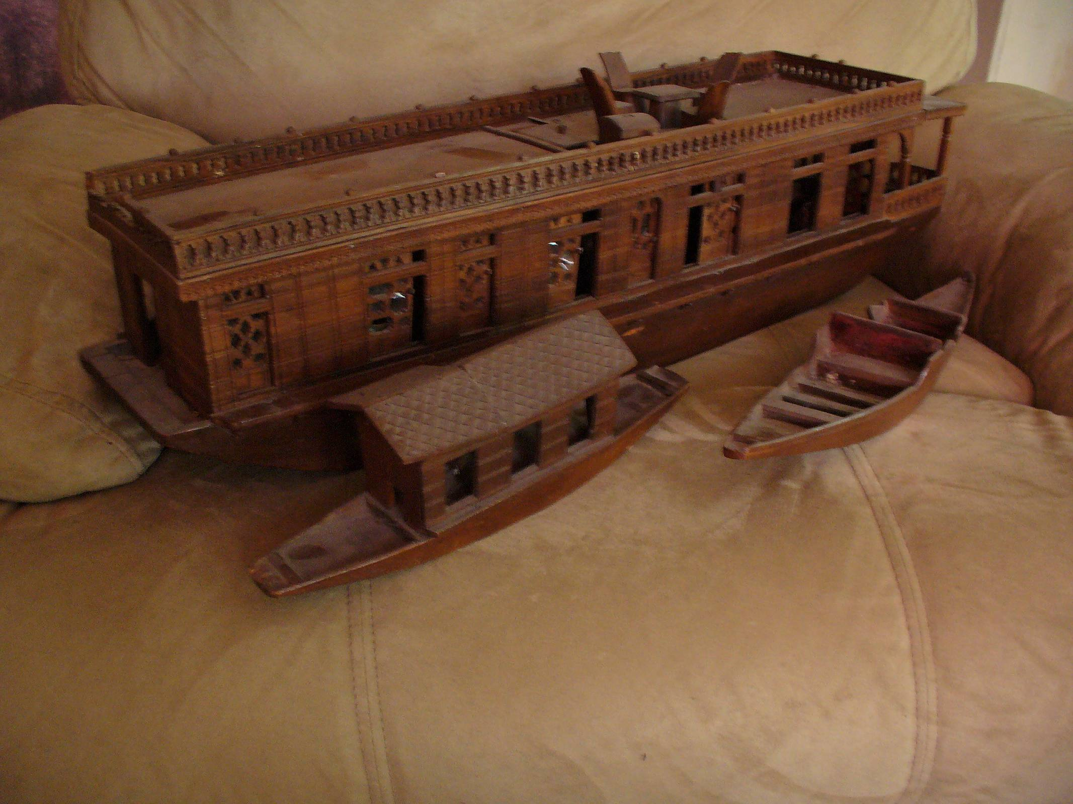So who makes or has made a ship or boat model from woodsctratch