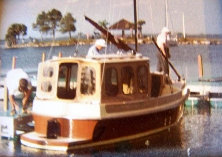 20' Motorsailer + Dad-- designed and built by DL-based on another DL design the TS-18.JPG
