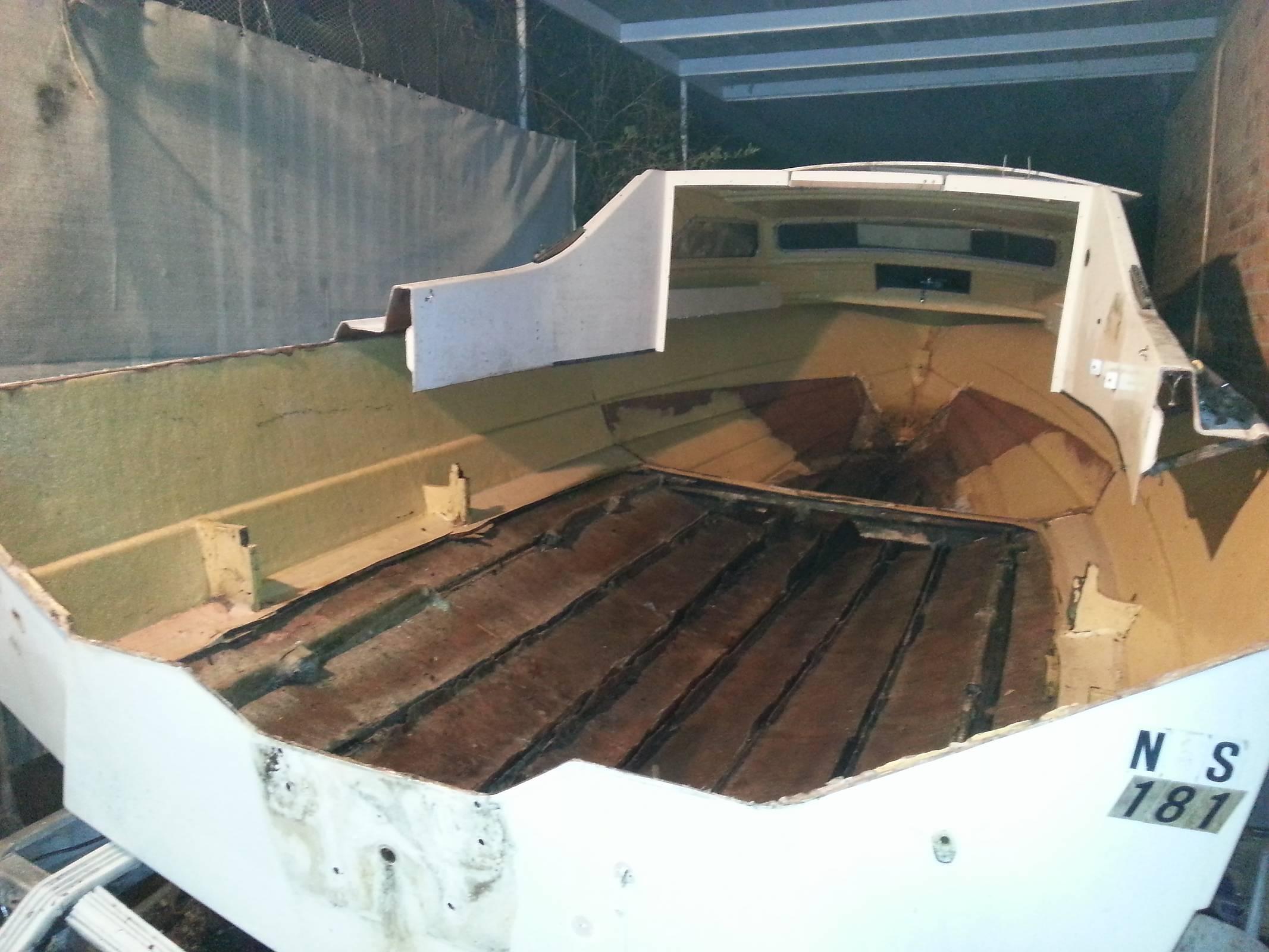 20ft Fibreglass boat repairs help & advice needed   Boat Design Net