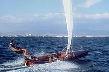 220px-Contender_sailing_dinghy.jpg