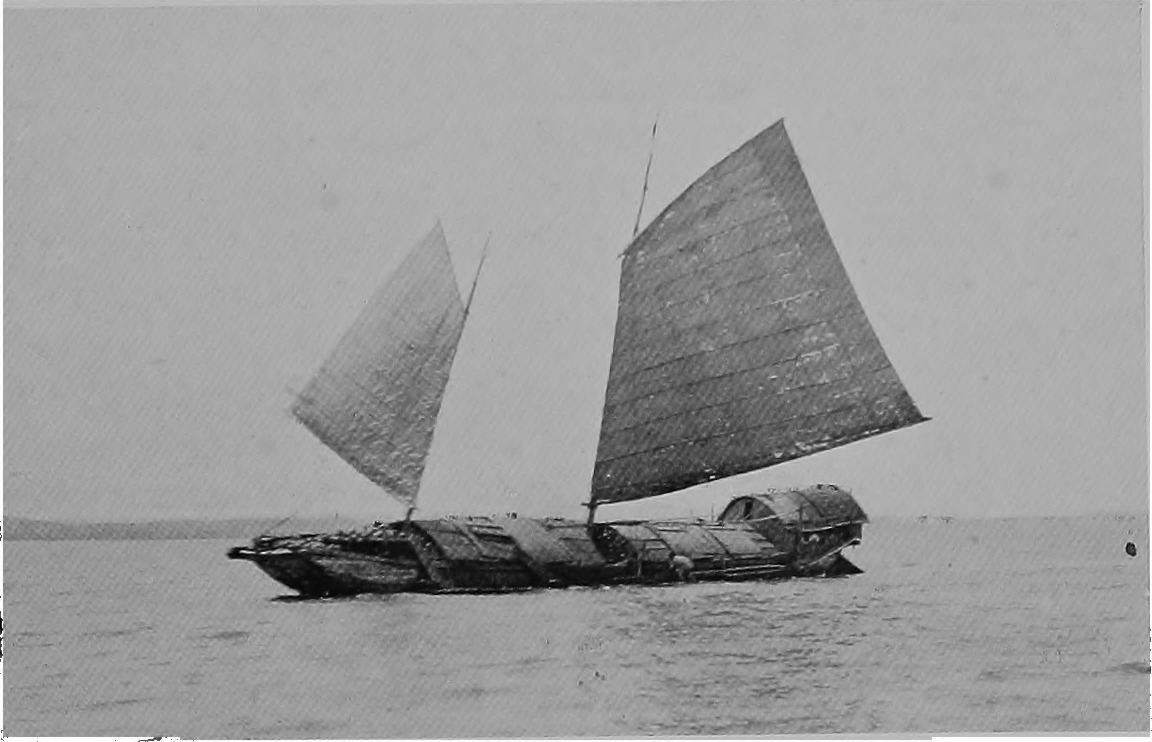 A_casco_(barge)_in_Manila_Bay_(1906).jpg