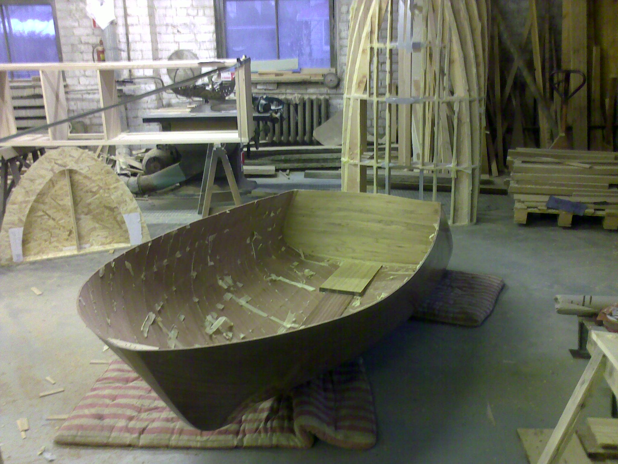Build of small mahogany sailboat with water jet propulsion | Boat ...