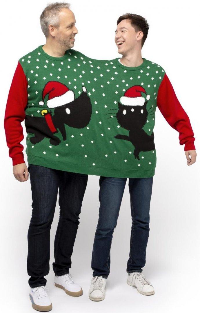 Christmas sweater for 2 people dog Takkie cat Siepie from Jip and Janneke by Dutch HEMA 5.jpg