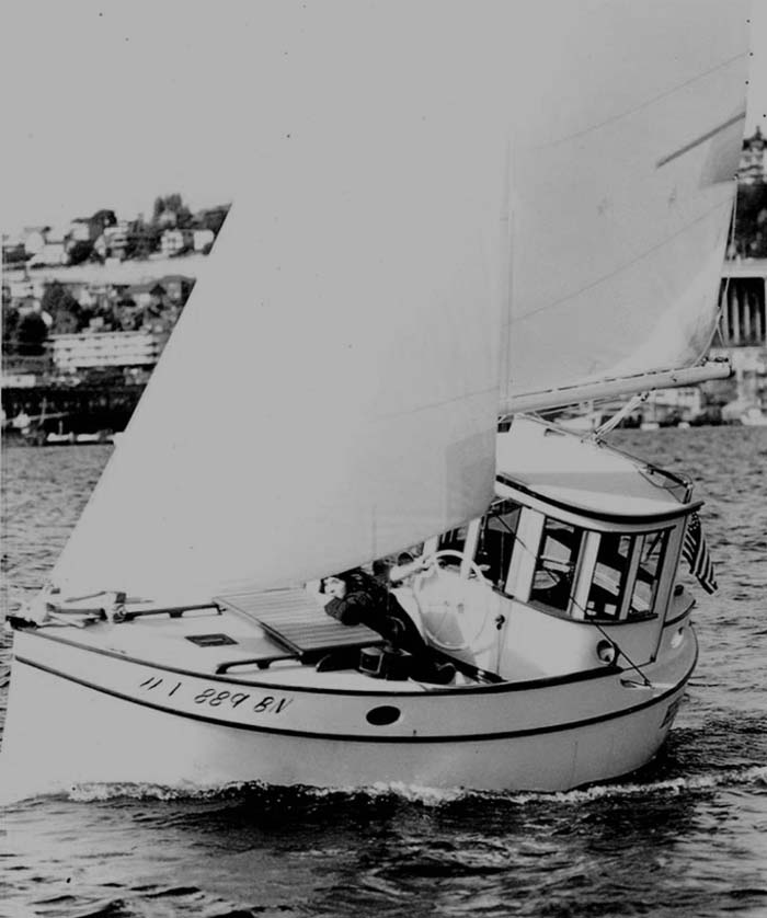 Motorsailer Heather designed by Tim Nolan.jpg