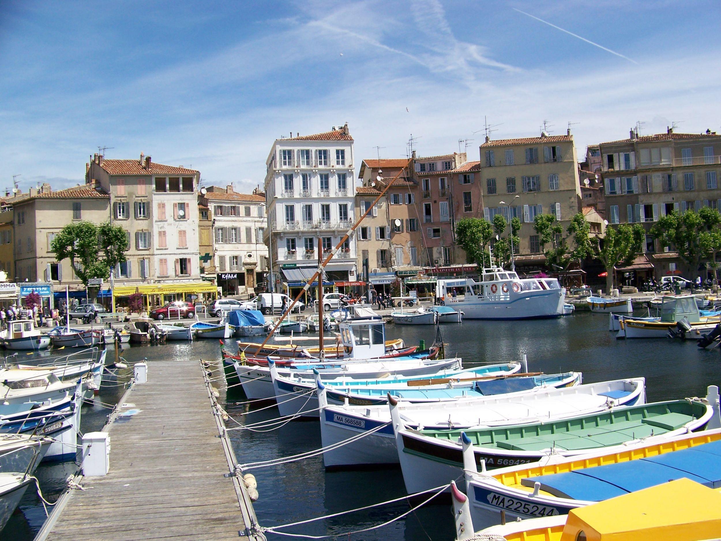 La ciotat le vieux port france boat design net - Restaurant port la ciotat ...